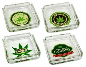 Glas-Aschenbecher Cannabis